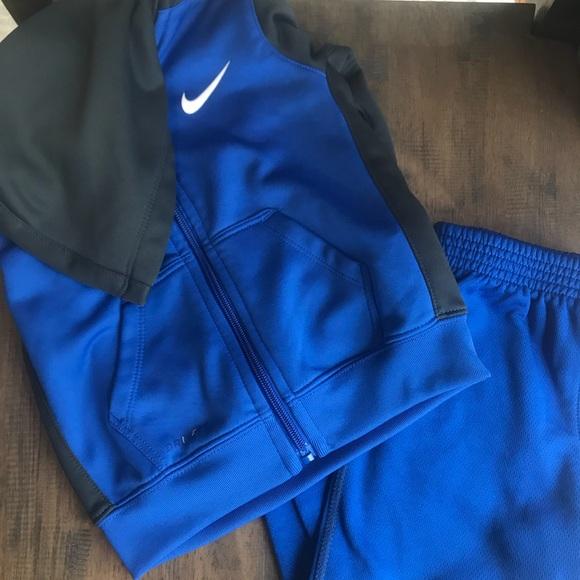 Toddler Nike sweat suit